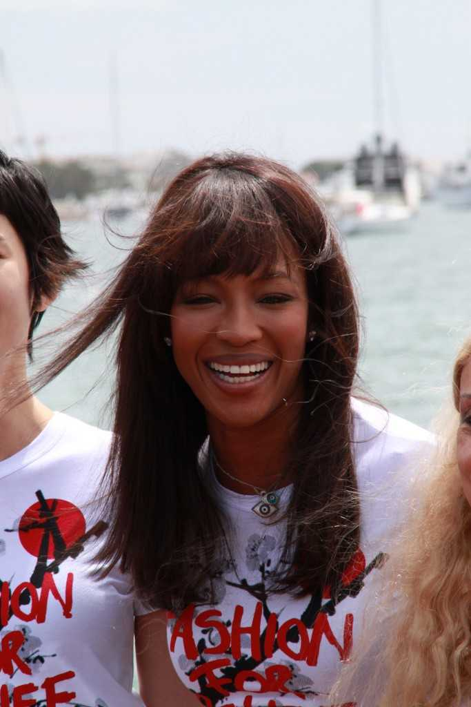 MAJESTIC 64 : NAOMI CAMPBELL FOR JAPAN APPEAL