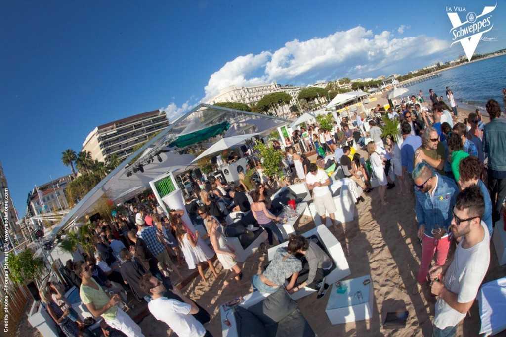 "Festival de Cannes Hôtel 3,14 & ""Villa Schweppes"" on the Beach !"