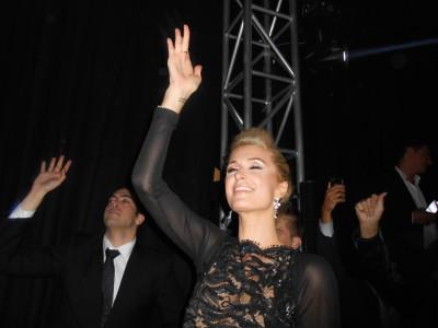 Paris Hilton-EdenRoc-Jamiroquai-photo HugoMayer_blogCannes