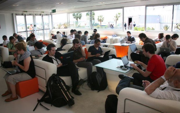 wifi cafe orange-BdC