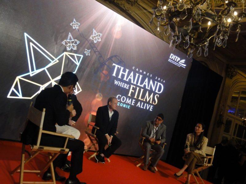 Cocktail for Thailand films, Carlton hôtel